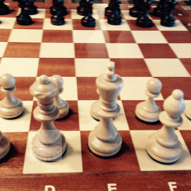 Yellow Mountain Imports Chess Set